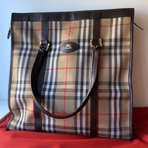 Burberry classic Nova Check clutch bag purse  ⭐️⭐️⭐️⭐️